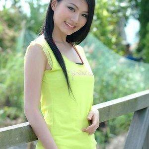 日本美女被非礼花房乱爱